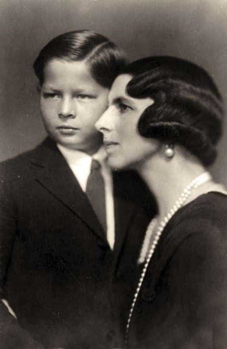 Principesa Elena alături de Regele Mihai