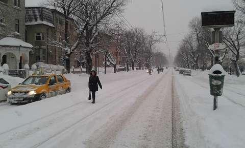Cod galben de ninsori şi viscol în Bucureşti şi Sud-Estul țării