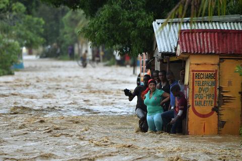 Uraganul Matthew, cel puțin 100 de morți în Haiti. Stare de urgență în Florida