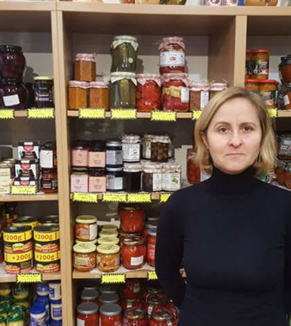 "Mihaela Pomian, patroana de la ""Chez Miha"", singurul magazin românesc din Paris"