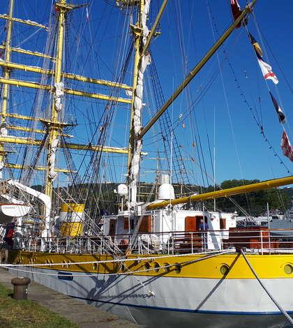 """Bricul """"Mircea"""" la """"Armada"""" de la Rouen, întâlnirea marilor veliere din lumea întreagà"""