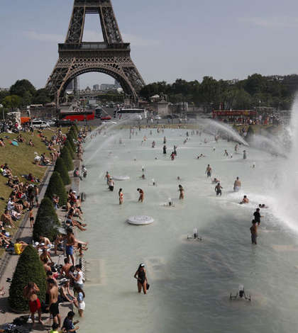 81 de departamente franceze se afla sub atentionare meteo de canicula. Regiunea pariziana este afectata si ea de temperaturi ce ajung la 40 de grade.