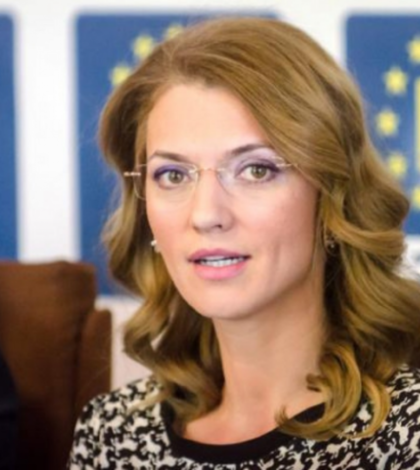 Alina Gorghiu o critică pe Carmen Dan (Sursa foto: site PNL)