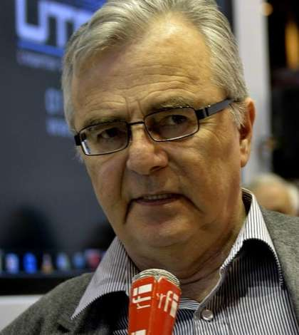 Profesorul de literatură franceză de la Facultatea de Litere a Universităţii din Iaşi, Alexandru Călinescu