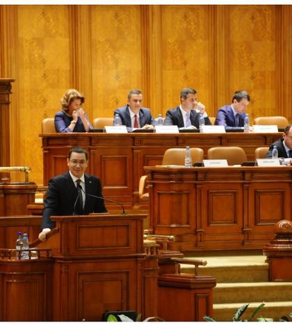 Premierul Victor Ponta, în Parlament (Foto: www.gov.ro/arhivă)