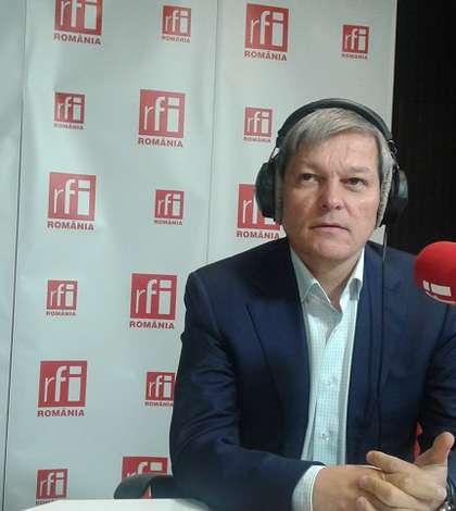 Dacian Cioloş atrage atenţia că România şi-a pierdut din credibilitatea politică (Foto: RFI/Şerban Georgescu)