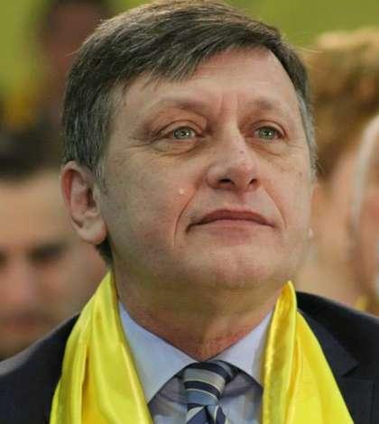 Crin Antonescu vrea să fie eurodeputat (Sursa foto: Facebook/Crin Antonescu)