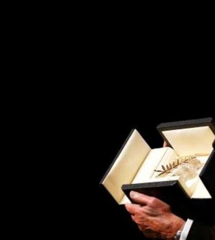 Alain Delon a primit duminicà, 19 mai 2019, la Cannes, o Palme d'or de onoare pentru intreaga sa carierà