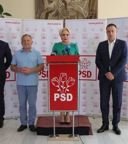 Dumitru Buzatu (al doilea din stânga), lângă premierul Viorica Dăncilă (Sursa foto: site PSD)