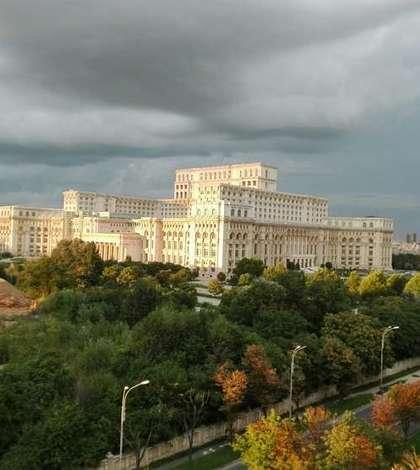 Parlamentul se pregătește să adopte Codurile Penale modificate (Foto: RFI/Cosmin Ruscior)