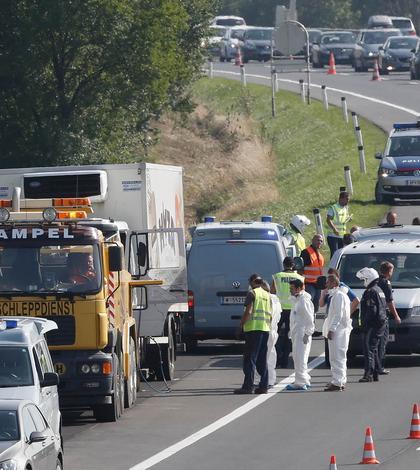 Camionul frigorific cu cei 71 de imigranţi asfixiaţi a fost abandonat pe o autostradă din Austria
