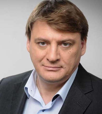 """Jurnalistul Ion M. Ioniță semnează editorialul ziarului """"Adevărul"""" de astăzi."""