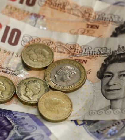 Lira sterlinà si-a atins miercuri cel mai slab nivel din 1985 încoace