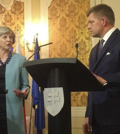 Theresa May și Robert Fico