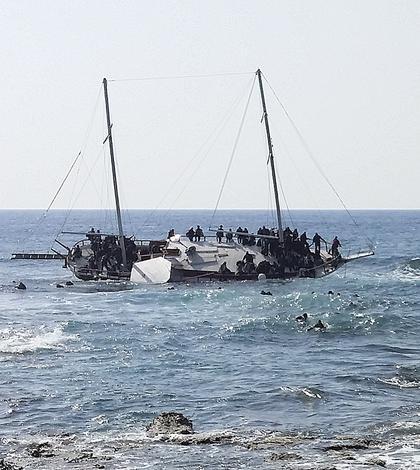 Marea Moartă - sute de oameni şi-au pierdut viaţa încercând să vină în Europa