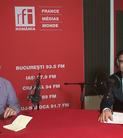 Ovidiu Nahoi și Mihai Chirica in studioul de inregistrari RFI Romania