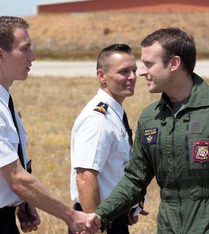 Presedintele Emmanuel Macron în timpul unei vizite la baza militara aeriana Istres, 20 iulie 2017