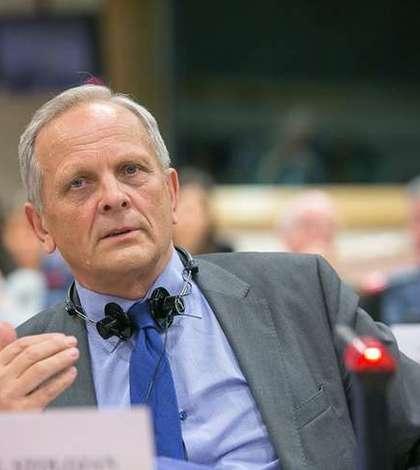 Theodor Stolojan se va abţine la votul asupra rezoluţiei PE privind statul de drept din România (Sursa foto: Facebook/Theodor Stolojan)