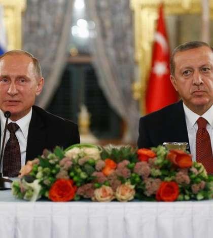 Presedintii rus si turc, Vladimir Putin, respectiv Recep Erdogan, la Istanbul în octombrie 2016