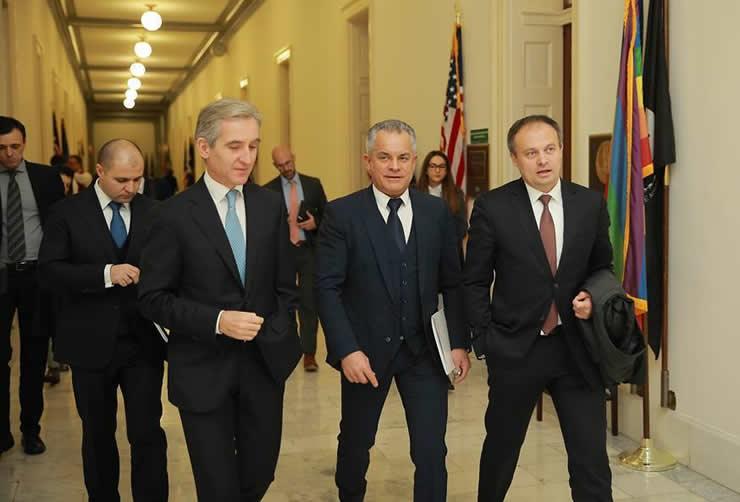 Iurie Leanca, vicepreşedintele Parlamentului, liderul Partidului Popular European, Vlad Plahotniuc şi Adrian Candu, speakerul Parlamentului